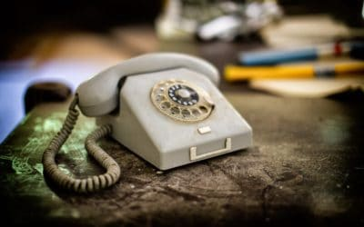 Warm Calling vs. Cold Calling: The Pros and Cons of Both